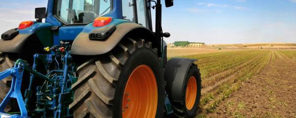 Attelage pour tracteurs